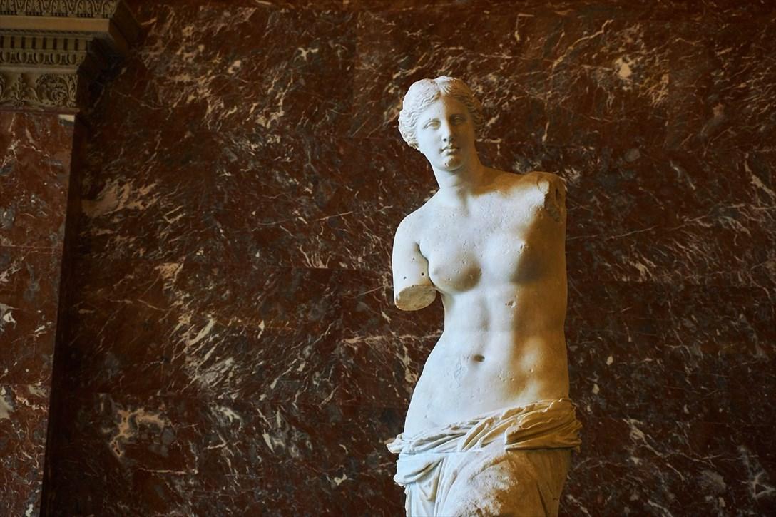 不完全な美の象徴ミロのヴィーナス