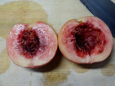 桃の剥き方 種を取った後
