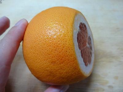 グレープフルーツの剥き方1