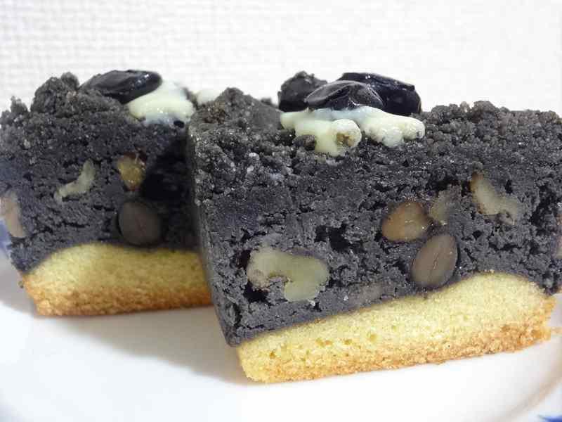黒胡麻と黒豆のチーズケーキ5