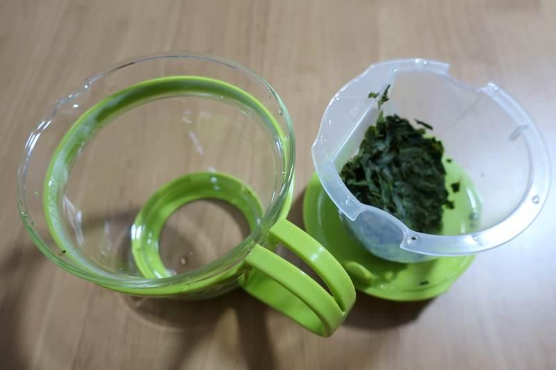 イワキの耐熱ガラスポット 茶殻を置ける