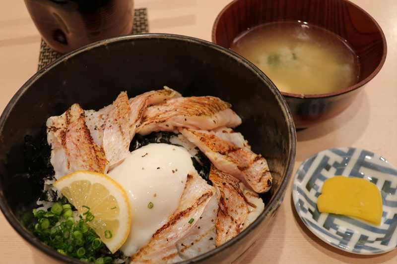 鮨 歴々 百番街店 のどぐろ炙り丼1