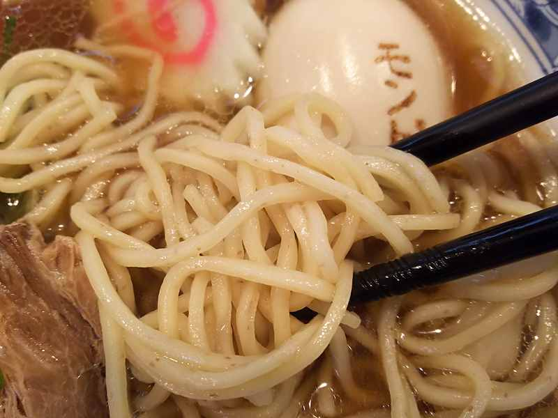 モンドの中太麺