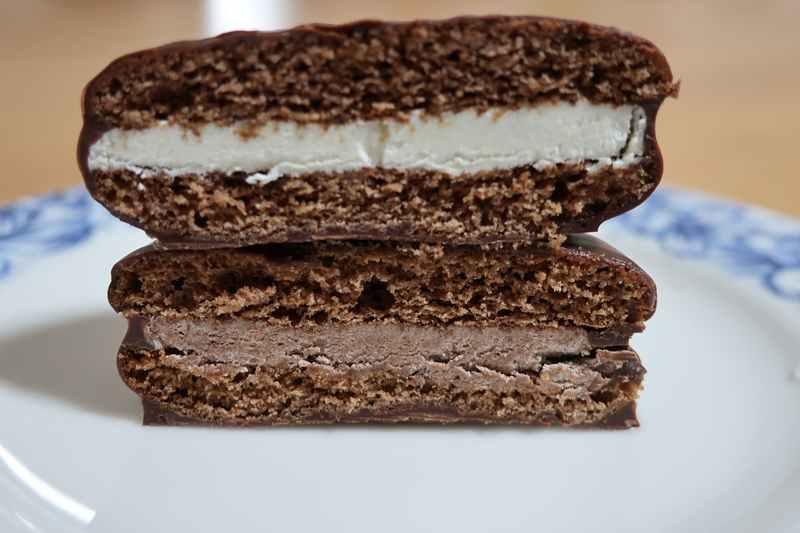 冬のチョコパイ 2種類の断面